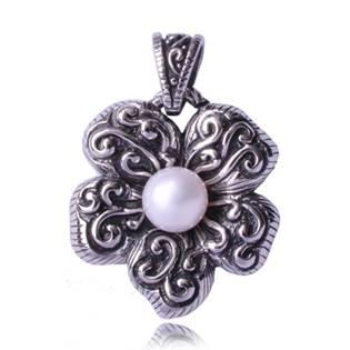 Ocelový přívěšek - květina s perlou