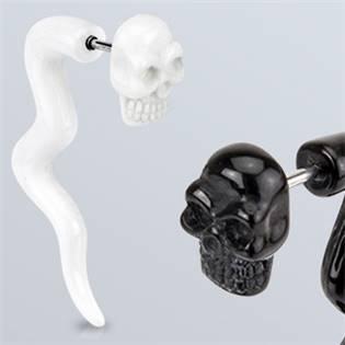Falešný piercing do ucha - lebka