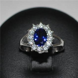 Strieborný prsteň s modrým zirkónom