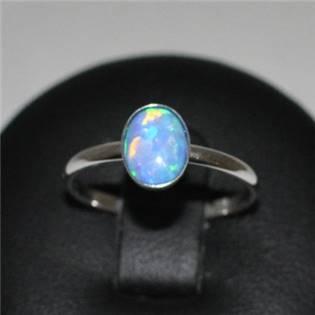 Strieborný prsteň s tmavým opálom, veľ. 53
