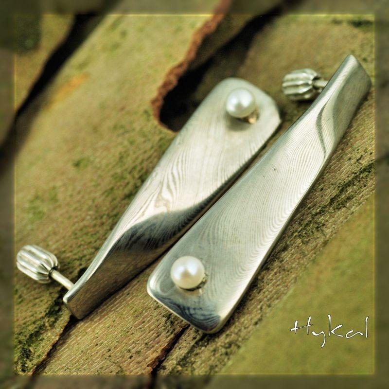 Kované damascenské naušnice s perlou - Našky KS2007