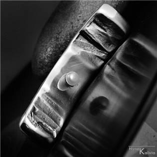 Kovaný prívesok z nerezovej ocele, perla - Margaritifera