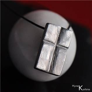 Damasteel prívesok - krížik