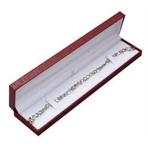 Červená koženková krabička na náramek