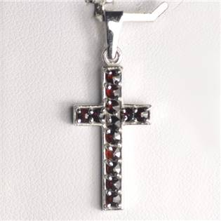 Stříbrný přívěšek křížek - český granát
