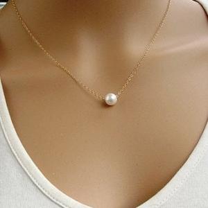 Pozlátený náhrdelník s perličkou