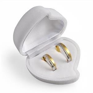 Darčeková krabička na náušnice alebo snubný prsteňe