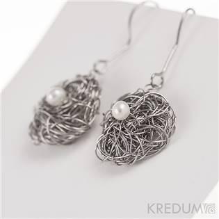 Motané ocelové naušnice Gordik s perlami 5 mm