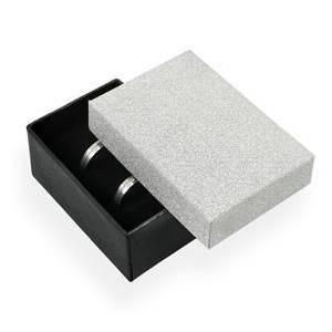 KR0069-ST Dárková krabička na snubní prsteny stříbná/černá