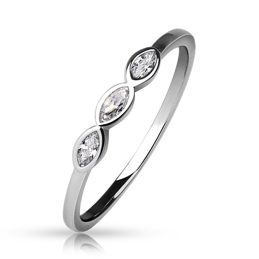Dámsky prsteň s 3mi zirkónmi