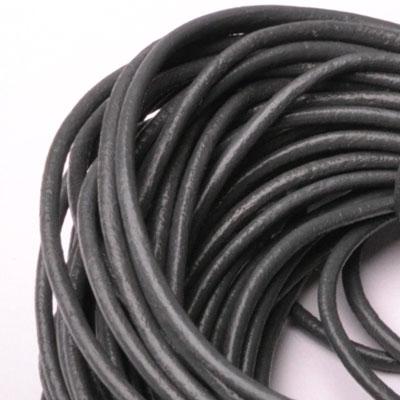 Kožená šnúrka guľatá tmavo šedá, hr. 2 mm
