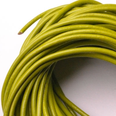 Kožená šnúrka guľatá svetlo zelená, hr. 2 mm