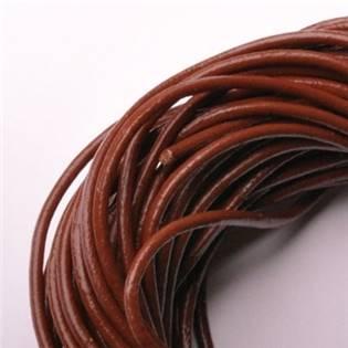 Kožená šňůrka kulatá hnědá, tl. 2 mm
