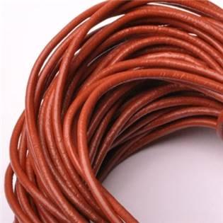 Kožená šňůrka kulatá hnědočervená, tl. 2 mm