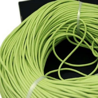 Kožená šnúrka guľatá jablíčkově zelená, hr. 2 mm