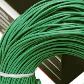 Kožená šňůrka kulatá světlá mořská zelená, tl. 2 mm