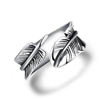 Ocelový prsten - peříčko