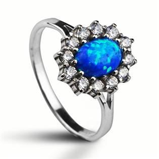 Stříbrný prsten se zirkony a modrým opálem