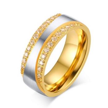 OPR0045 Dámsky oceľový prsteň so zirkónmi, šírka 7,5 mm