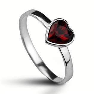 Stříbrný prsten se srdíčkem Crystals from SWAROVSKI®, barva: SIAM