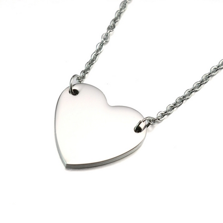 Oceľový náhrdelník so srdiečkom