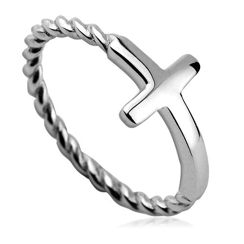 Strieborný prsteň kríž