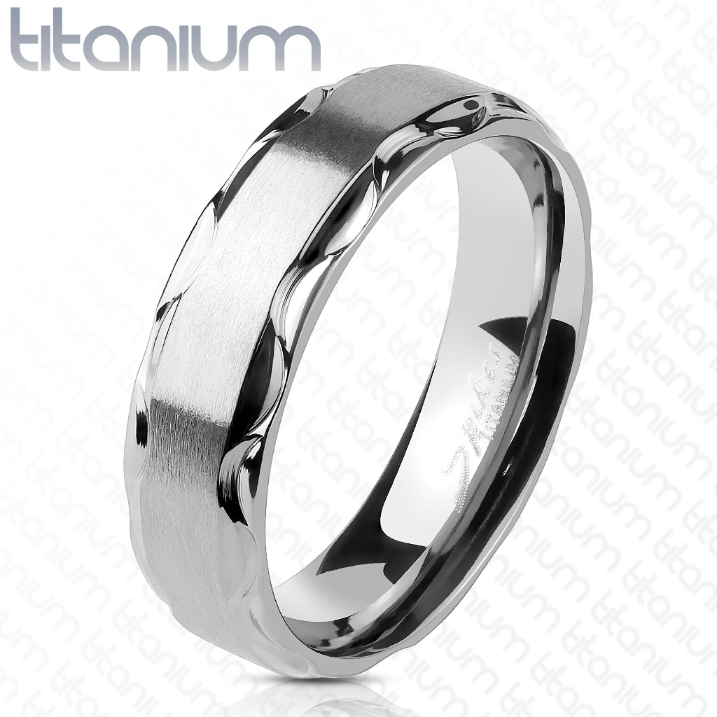TT1045 Dámska svadobná obrúčka titán