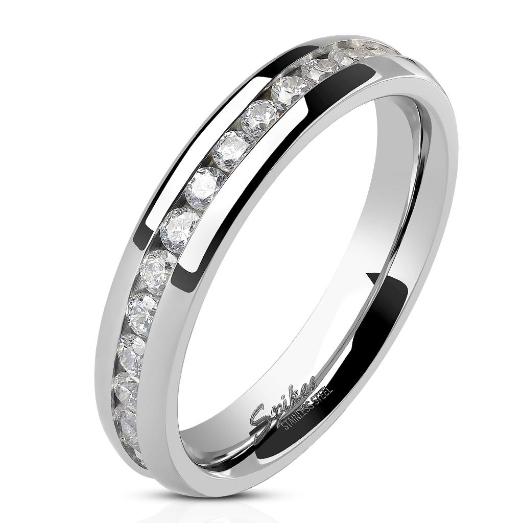 Oceľový prsteň so zirkónmi, šírka 4 mm