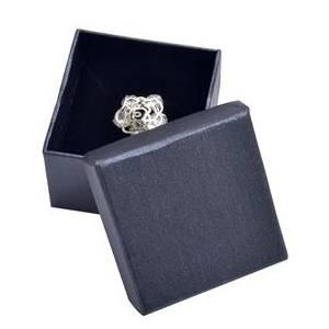Malá dárková krabička na prsten kovově černá