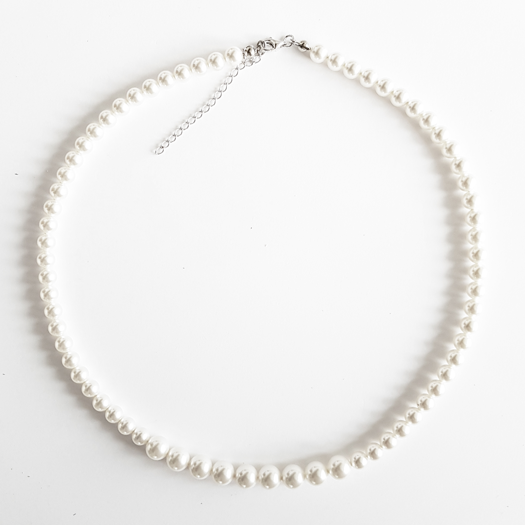 Perlový náhrdelník s bielymi perlami Crystals from Swarovski ®