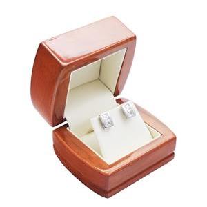 Drevená darčeková krabička na náušnice alebo retiazku
