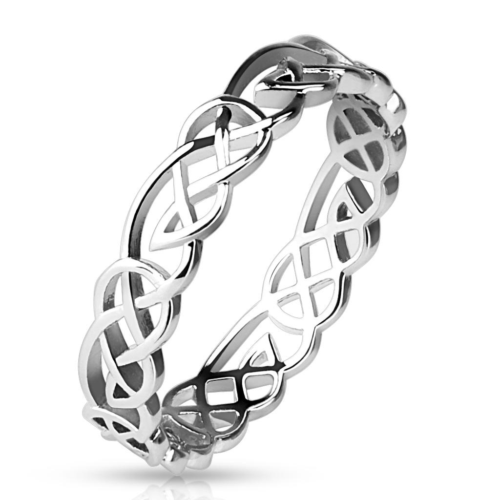 Dámsky prsteň splietaný