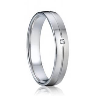 AN1030 Dámský stříbrný snubní prsten se zirkonem