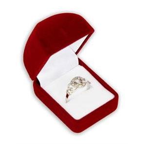 Červená semišová darčeková krabička na prsteň