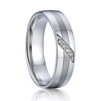 Dámsky strieborný snubný prsteň so zirkónmi, šírka 6 mm