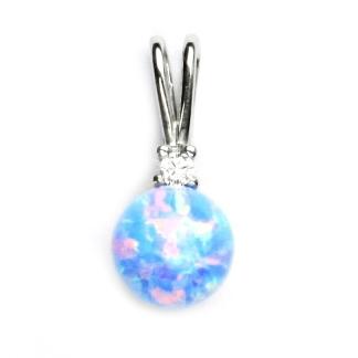 Strieborný prívesok so svetlo modrým opálom a zirkónom