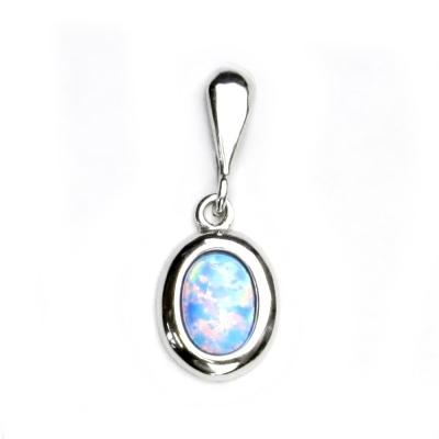 Strieborný prívesok s modrý opál