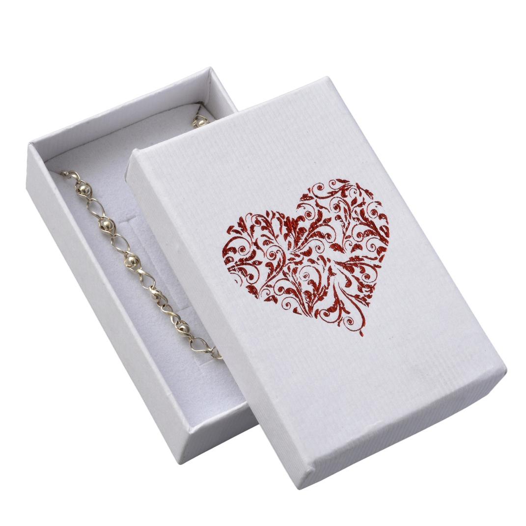 Biela darčeková krabička na súpravu šperkov s ornamentálnym srdcom