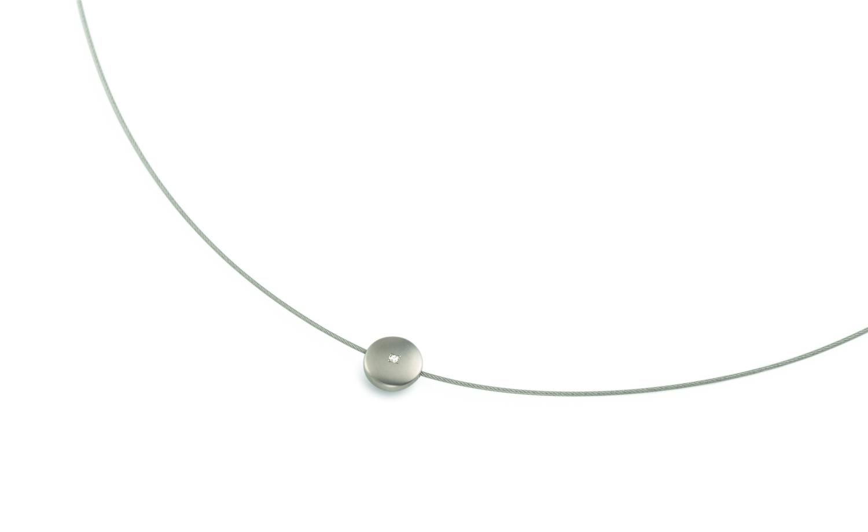 Titanový náhrdelník struna s přívěškem a diamantem 08010-01 B08010-01