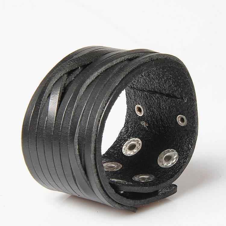 Široký čierny kožený náramok