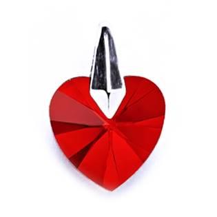Stříbrný přívěšek srdíčko Crystals from SWAROVSKI®, barva: červená