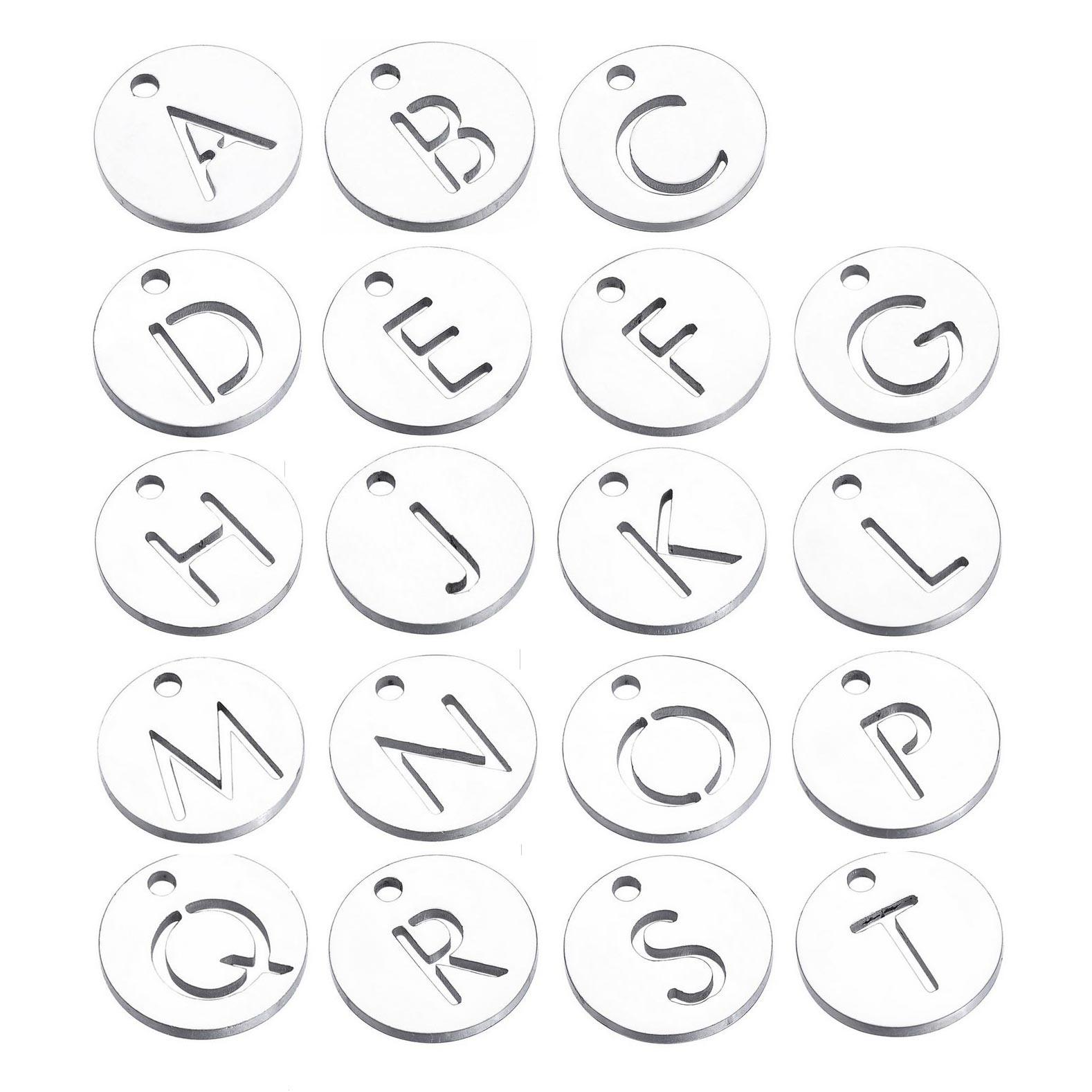 """Drobný kulatý ocelový přívěšek - iniciála """"A"""""""