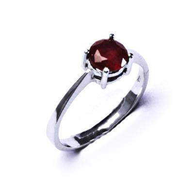 Strieborný prsteň s rubínom 6 mm