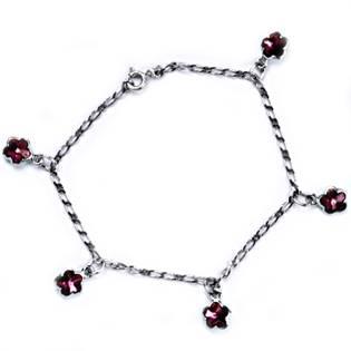 Stříbrný náramek s tmavě růžovými kytičkami Crystals from Swarovski
