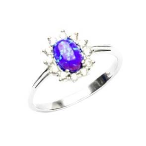Stříbrný prsten s fialovým opálem a zirkony