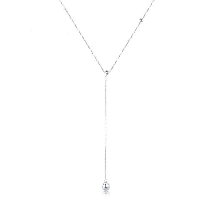 Strieborný náhrdelník so zavesenou guličkou