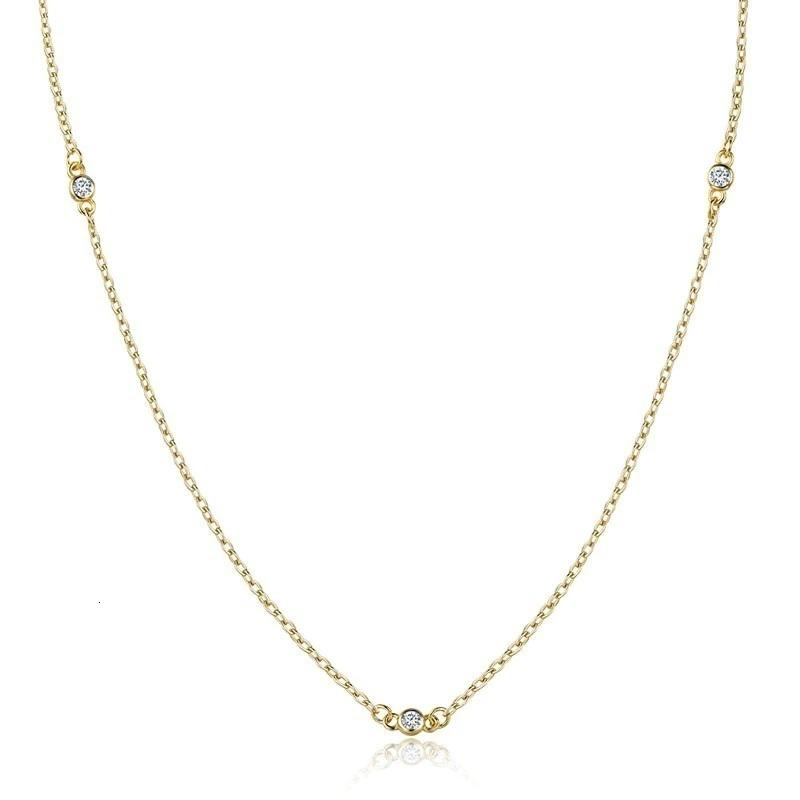 Pozlátený strieborný náhrdelník s čírymi zirkónmi