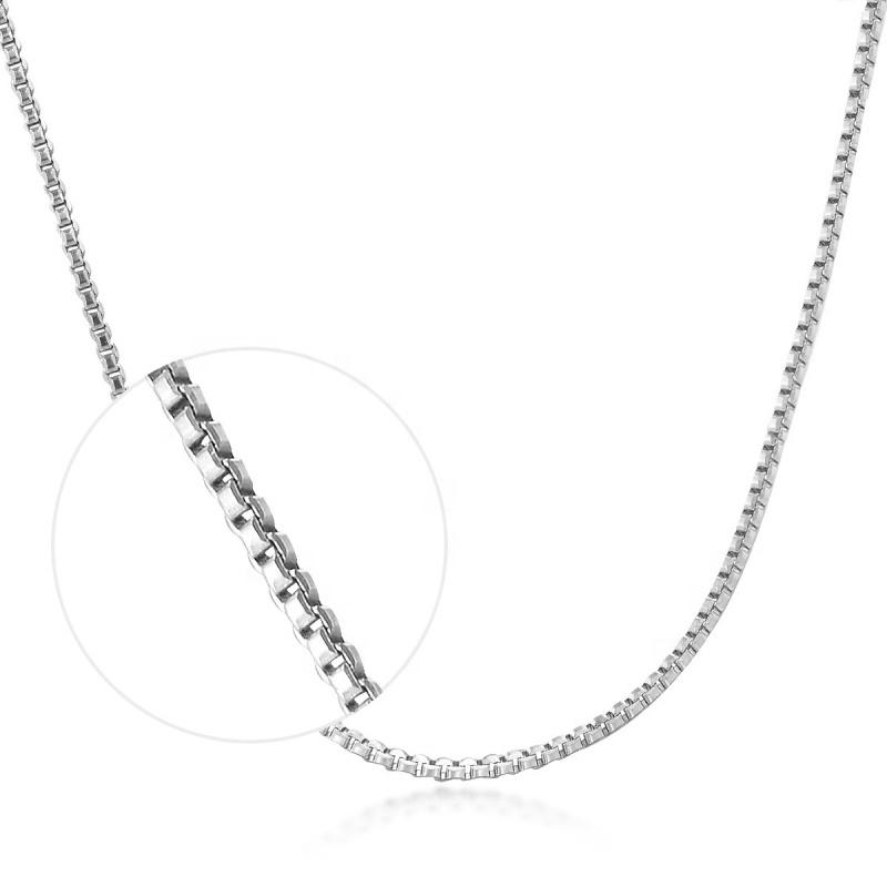 Stříbrný řetízek čtvercový, tl. 0,8 mm, délka 40 cm