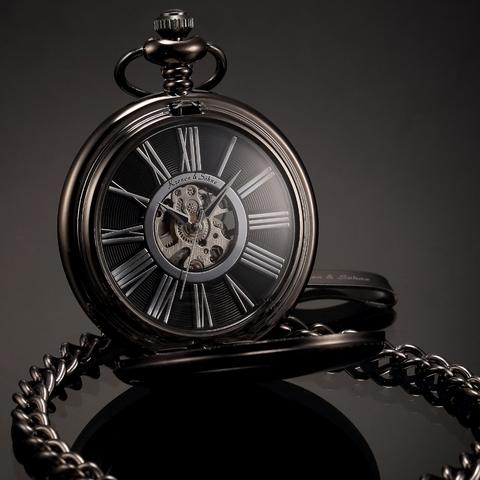 d8f20dc0f33 Černé mechanické kapesní hodinky v dárkovém balení