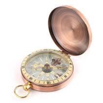 Měděný kompas v uzavíratelném kovovém pouzdru